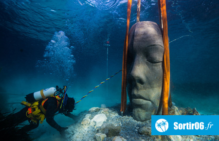 Immersion des sculptures de l'artiste Jason deCaires Taylor dans la baie de Cannes