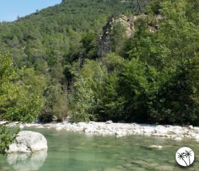 Se baigner en rivière dans les Alpes Maritimes (06) L'estéron